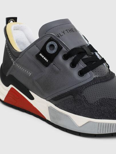 Diesel - S-BRENTHA LC, Grey - Sneakers - Image 5