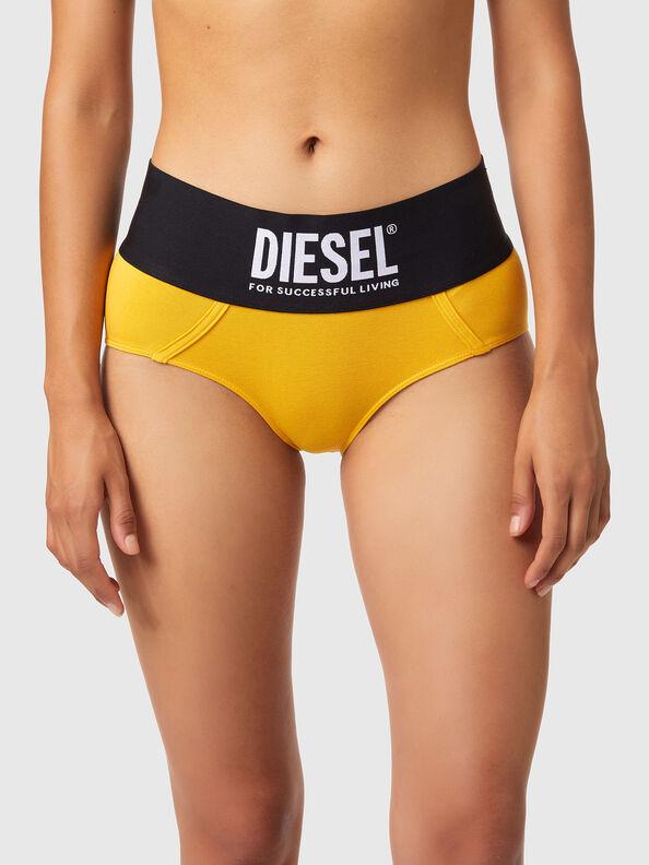 https://ee.diesel.com/dw/image/v2/BBLG_PRD/on/demandware.static/-/Sites-diesel-master-catalog/default/dwa8516dc2/images/large/00SEX1_0DCAI_22K_O.jpg?sw=594&sh=792